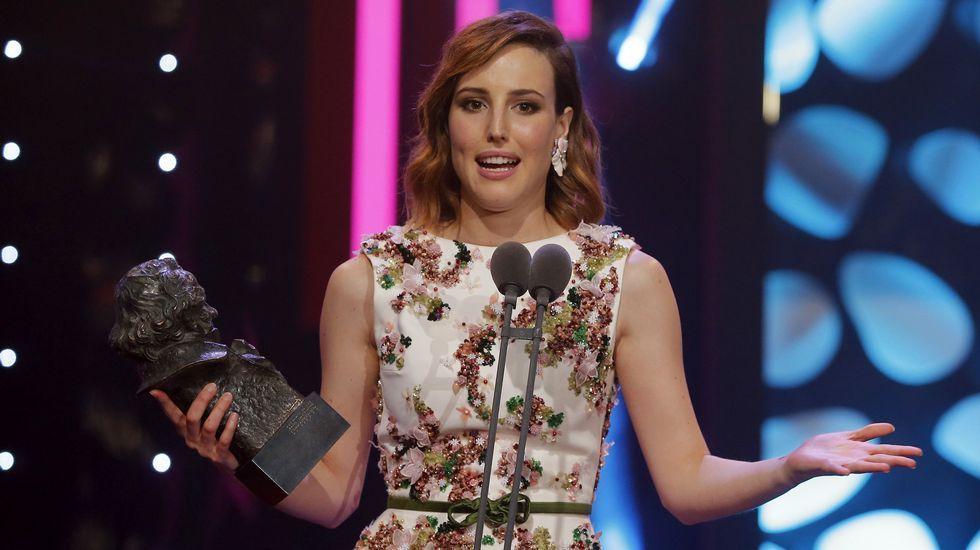 La actriz Natalia de Molina recibe el Goya a la mejor actriz por su papel en «Techo y Comida»