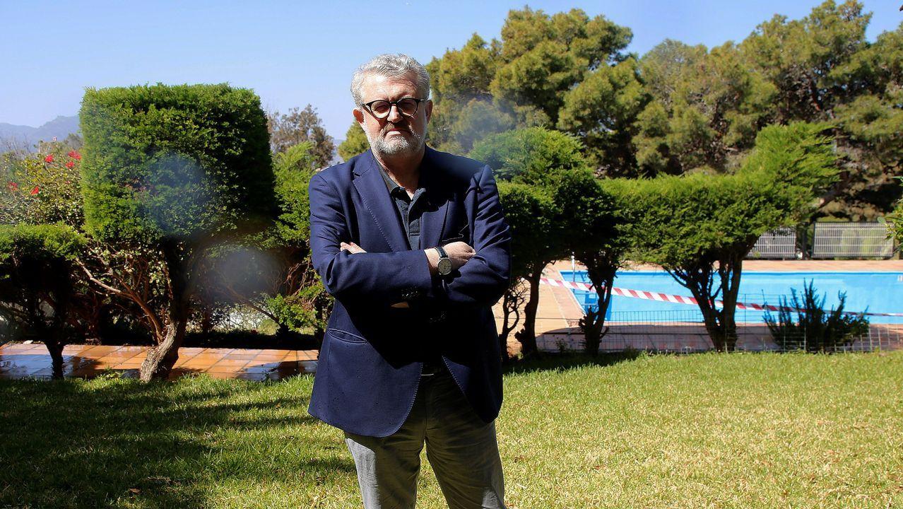 El último adiós a Rubalcaba, en imágenes.El director del Museo Nacional del Prado, Miguel Falomir