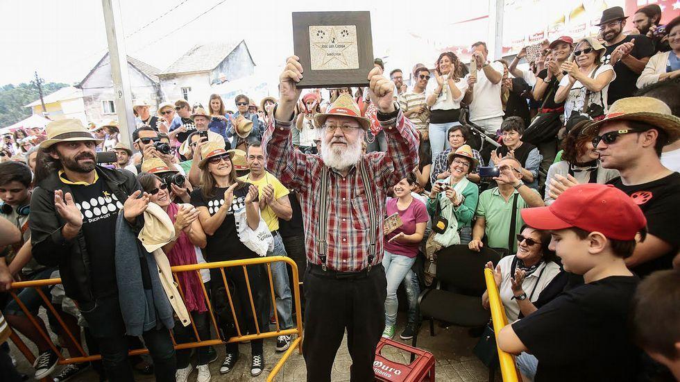 Muchas personas disfrutaron ayer del festival desde el mediodía en el Outeiro Grande.