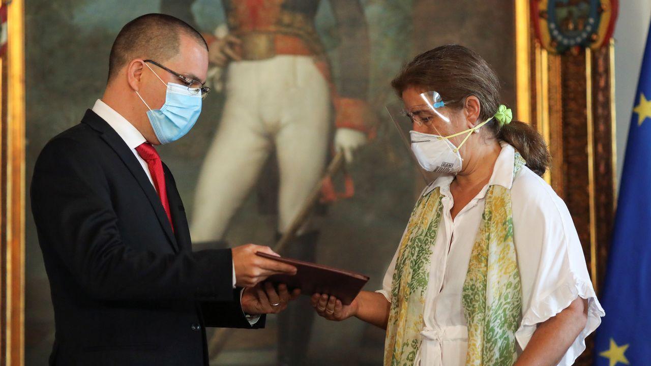 Venezuela revisará «a fondo» su relación con España tras la visita de la ministra de Exteriores española a Colombia.El ministro de Exteriores venezolano entregó el miércoles la carta con la que declara persona non grata a la embajadora de la UE