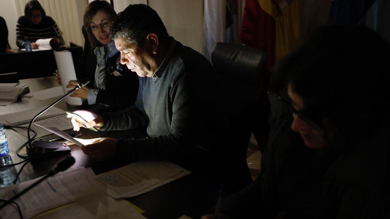 Mariñanos en FITUR.Imagen de archivo de una gallega encamada que recibe ayuda en el hogar