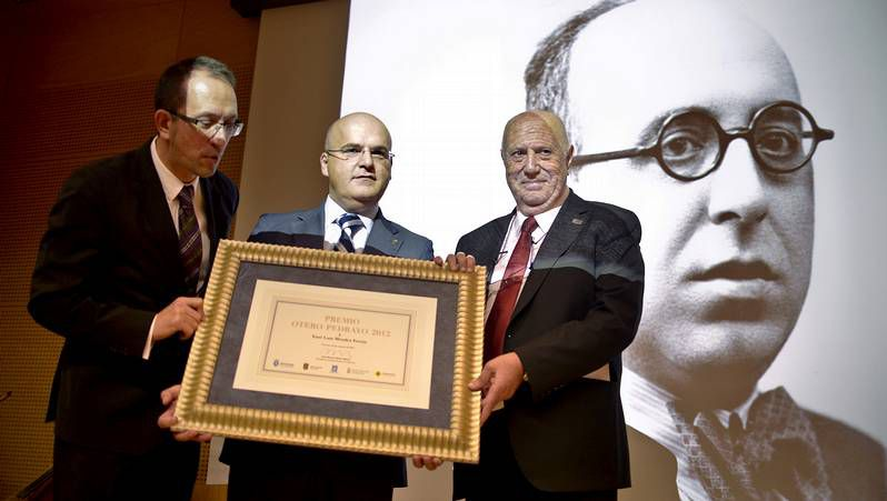 Google homenajea a Octavio Paz.Elena Poniatowska se prepara para recibir el Cervantes