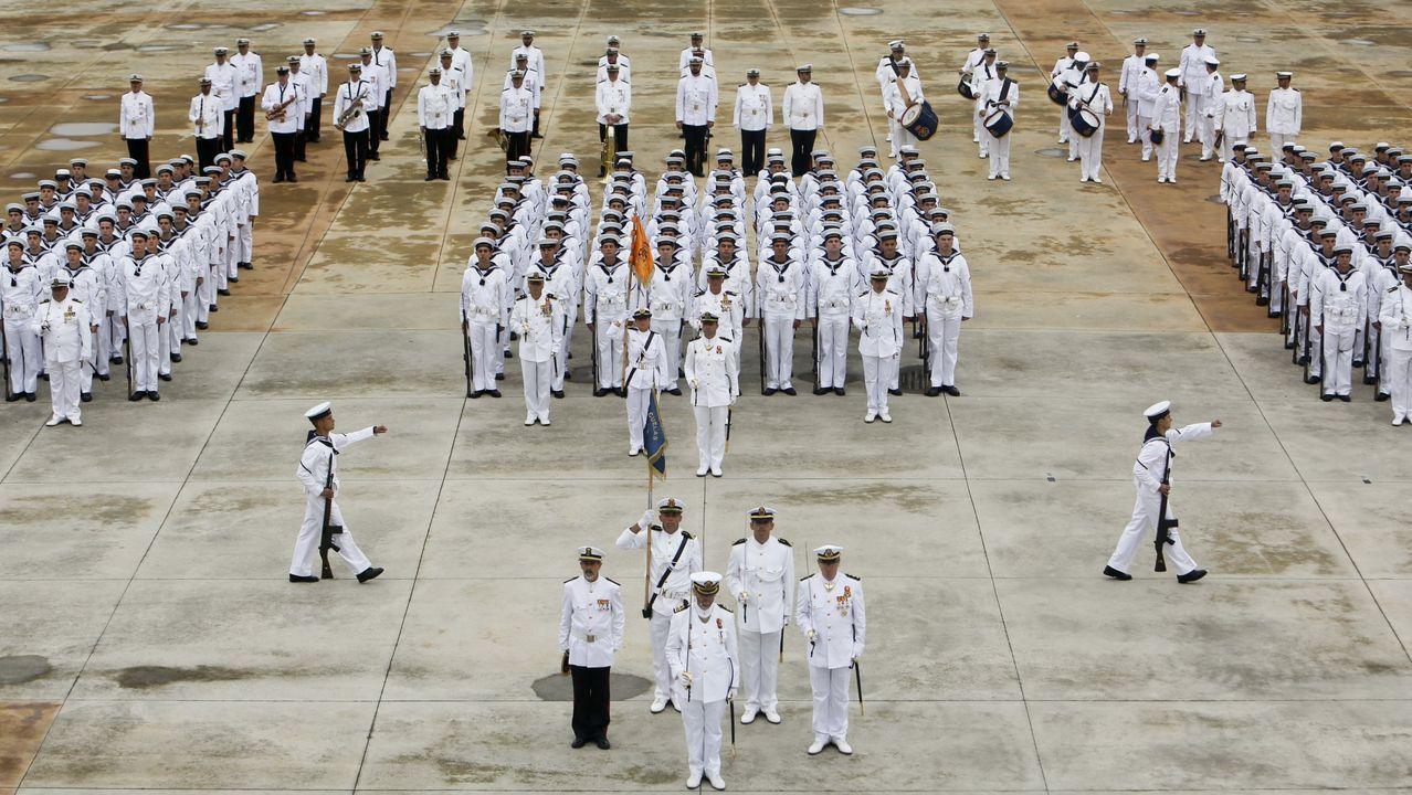 Imagen de una jura de bandera en la escuela de la Armada en A Graña en el año 2012