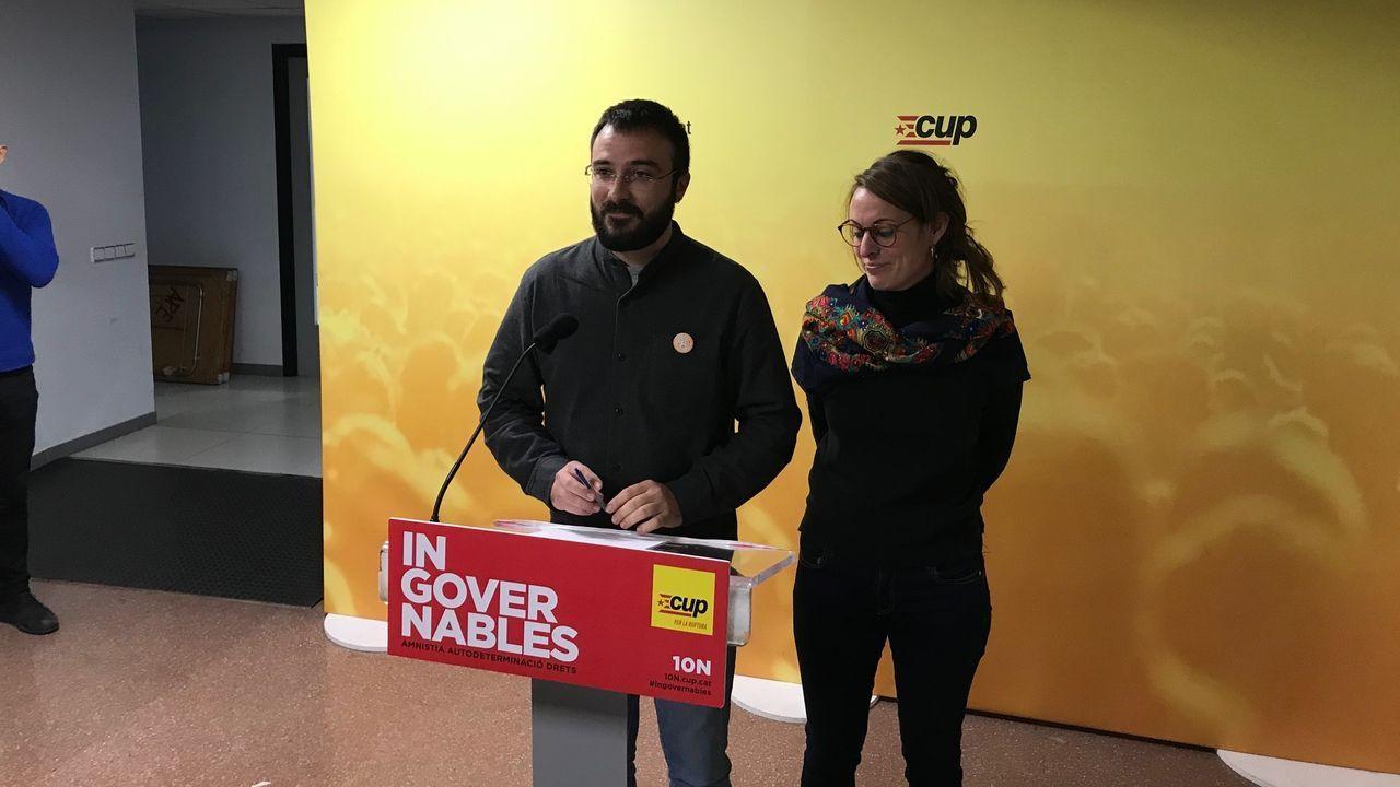 Pedro Sánchez y Pablo Iglesias rubrican el preacuerdo entre el PSOE y Unidas Podemos.Arnaldo Otegi, líder de EH Bildu