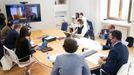 La reunión se llevó a cabo por videoconferencia. En la foto, los participantes en la sede de la Xunta.