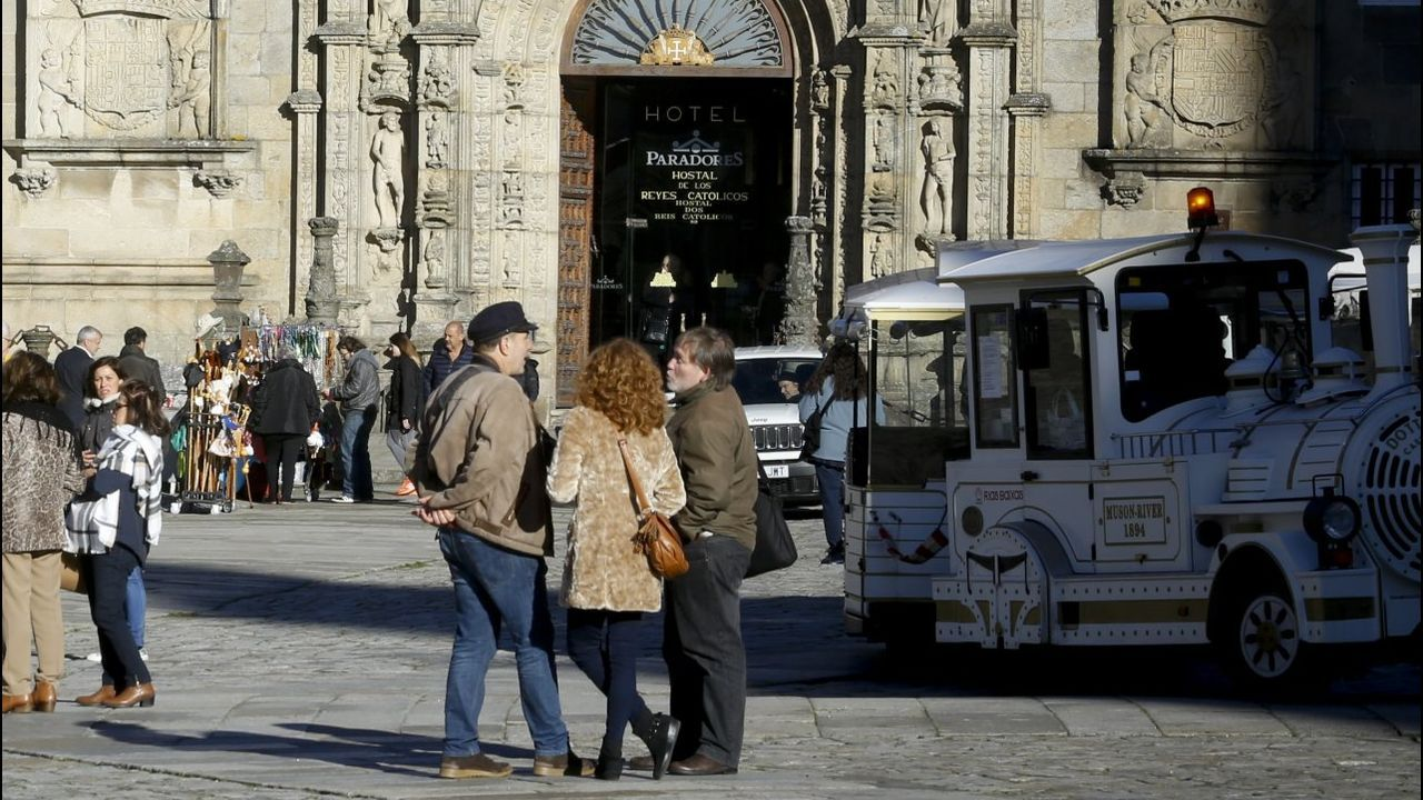 Calistenia en la Alameda.La portavoz del PP, Cayetana Álvarez de Toledo, se empleó a fondo contra el PSOE
