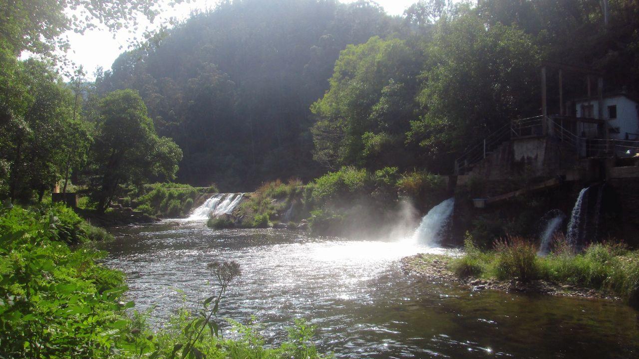 La presa de Pé de Viña en el río Eo