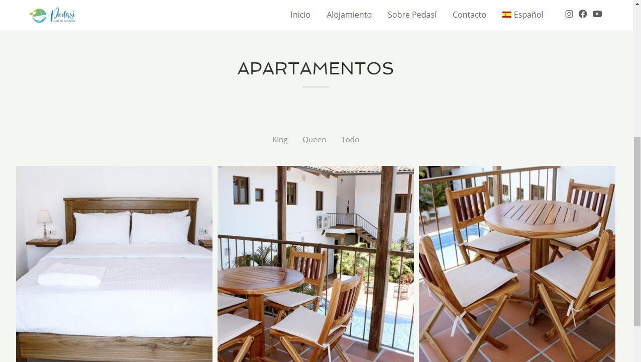 Cabeza de Manzaneda recibe a los primeros esquiadores.Captura de pantalla de una de las webs de alojamientos en Panamá