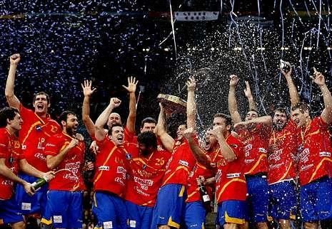 La ceremonia de Sochi, en fotos.La selección española de balonmano se proclamó hace un año campeona del mundo por segunda vez en su historia.
