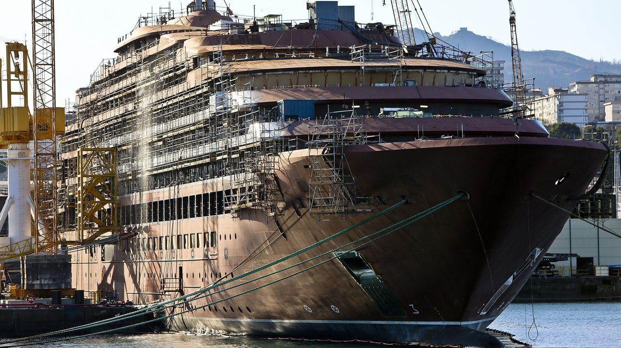 Vista del crucero de lujo en los artilleros Hijos de Barreras
