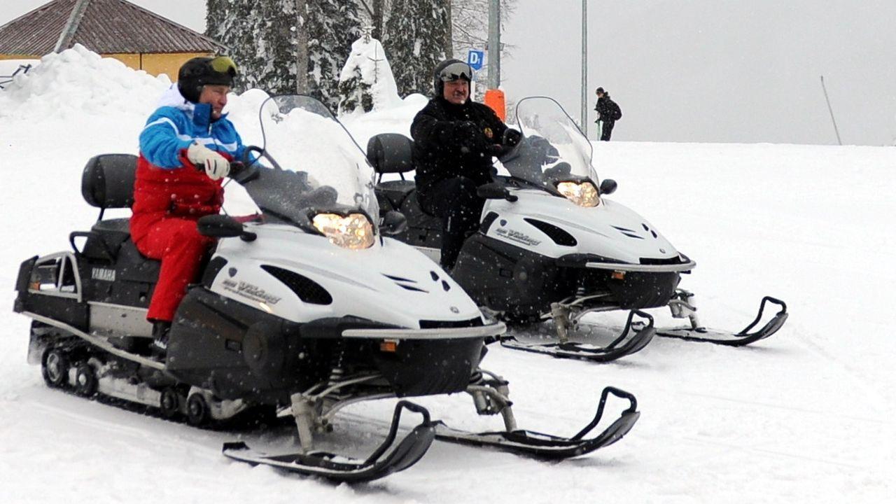 Putin, y su homólogo bielorruso, Alexandr Lukashenko, interrumpieron este lunes sus conversaciones en Sochi para esquiar
