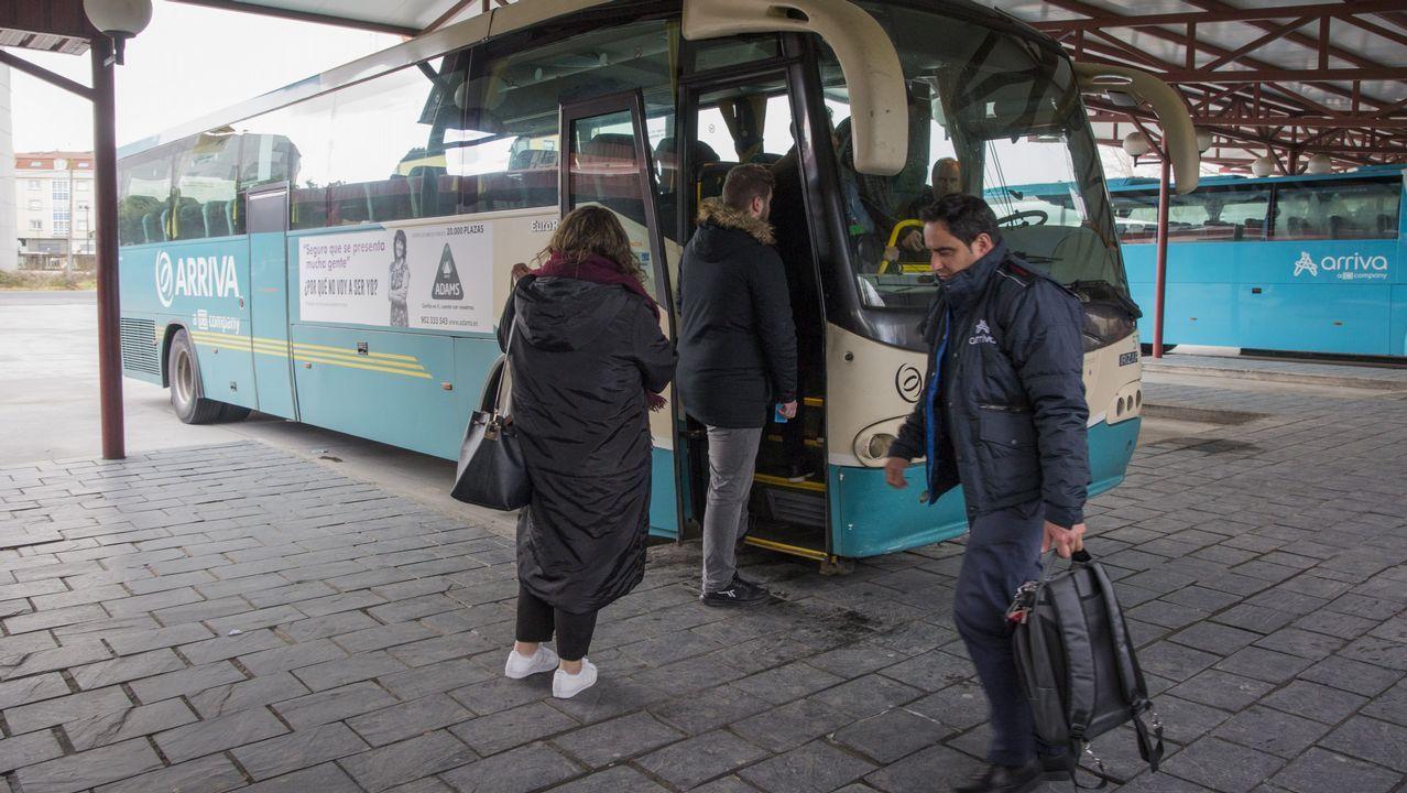 Autobus escolar.Autobus escolar
