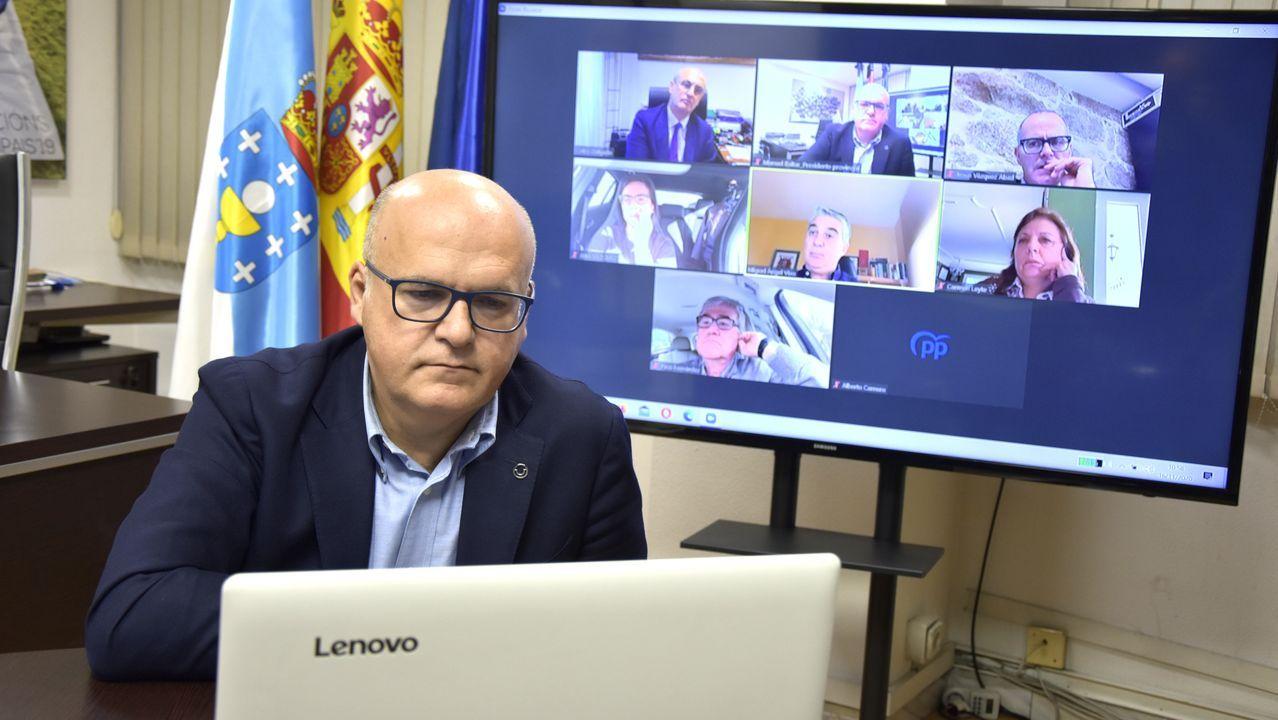 Reunión de José Manuel Baltar con diputados y senadores del PP