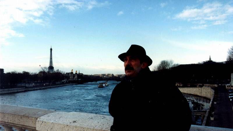 A traxectoria de «Pico».El vigués Manuel Manquiña estuvo ayer en el Centro Cultural Novacaixagalicia.