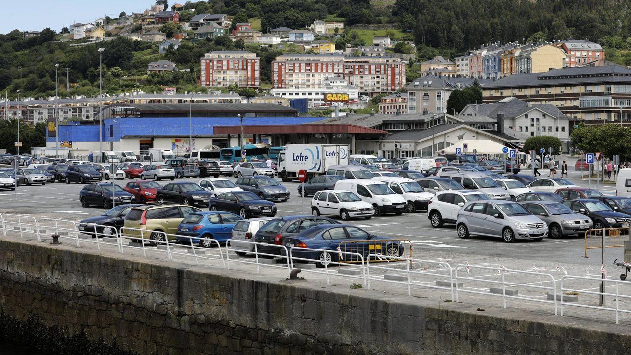 El aparcamiento del muelle viejo de Celeiro es propiedad de Portos de Galicia