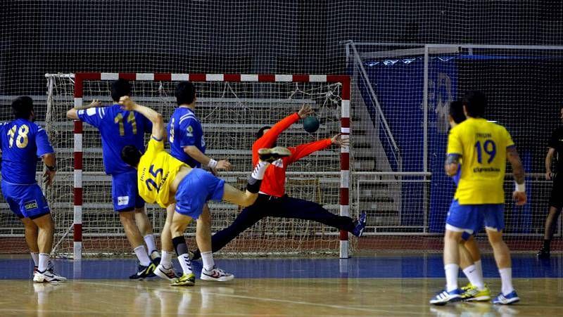 El Clínica Deza pierde en un partido igualado ante el Alcobendas.El Teucro necesita resarcirse con un triunfo de la derrota de la semana pasada ante el Bidasoa.