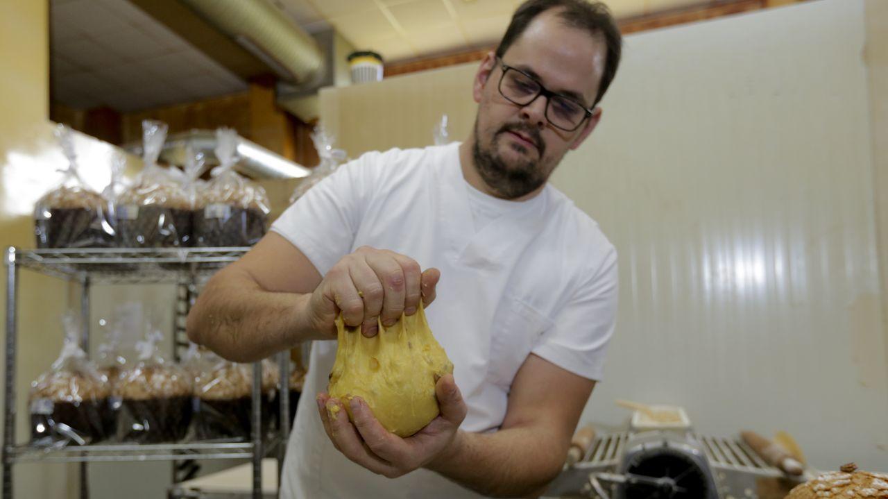 Los famosos «panettones» de la pastelería Naya