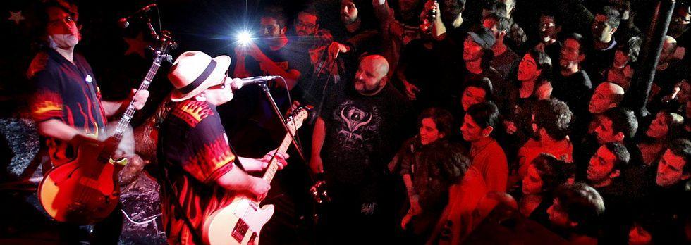 El próximo domingo cumplirá 34 años Siniestro Total y lo celebrará tocando en La Iguana.