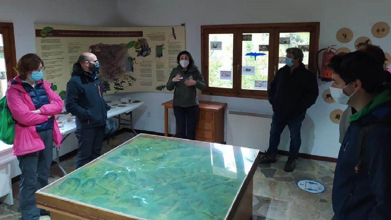 Participantes en el Outono Xeolóxico del geoparque Montañas do Courel visitaron recientemente el Aula da Natureza de Moreda