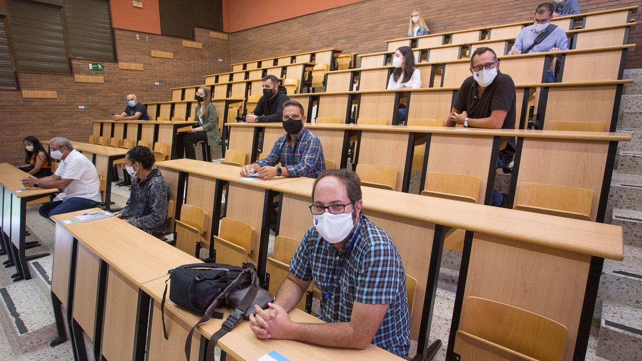 Tomás Cuesta, director de la EPS en el campus de Lugo explica el protocolo contra el covid19 en las aulas de cara al próximo curso.Registro de una vivienda en una operación contra el narcotráfico en Gibraltar