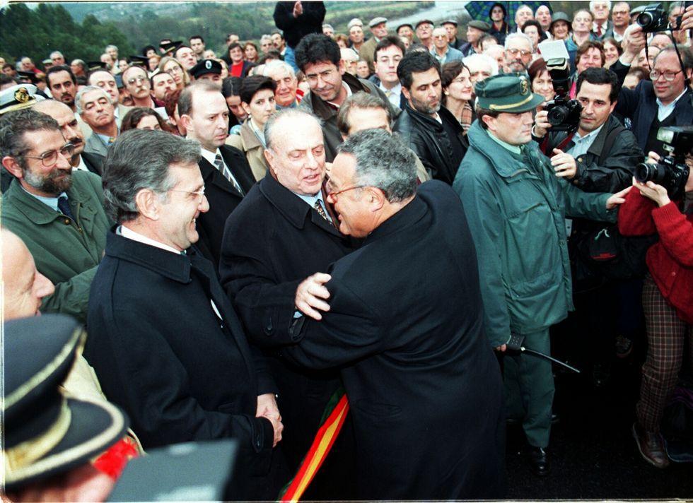 Festa da lamprea de Arbo.Fraga inauguró el puente en el año 1998
