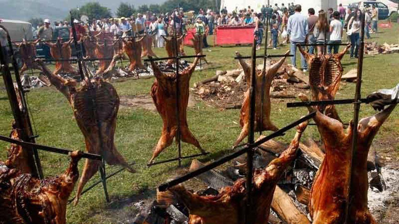 Asturianos con sombrero.Fiesta del cordero en el prau L.lagüezos