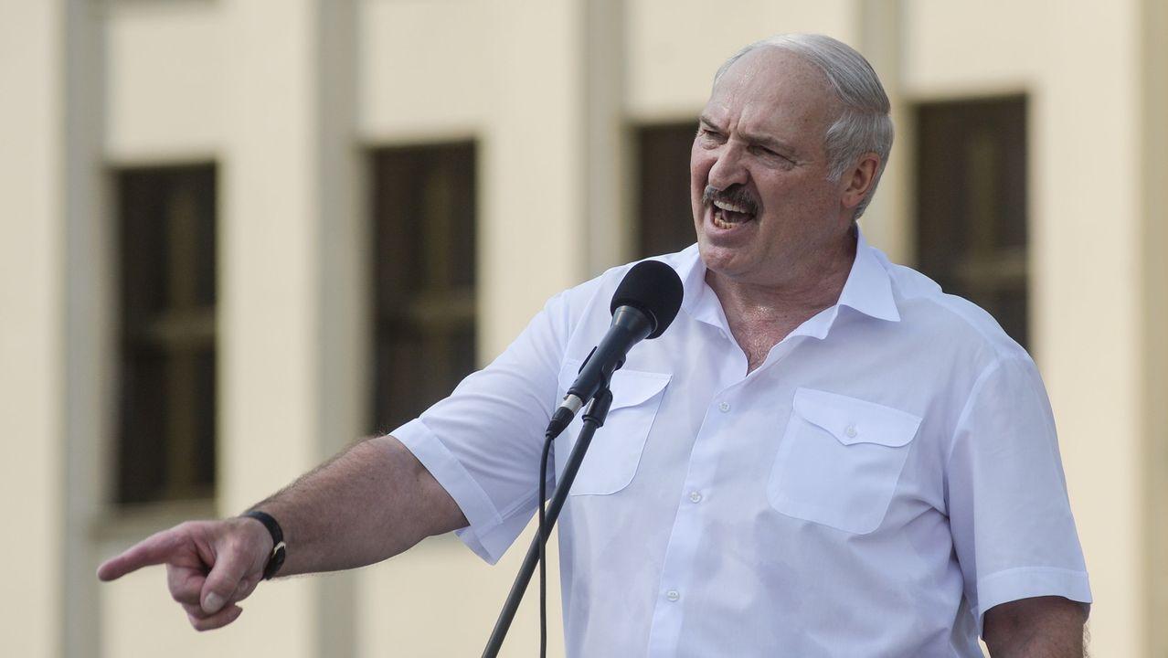 Lukashenko, durante su discurso ante sus seguidores este domingo frente a la Casa del Gobierno