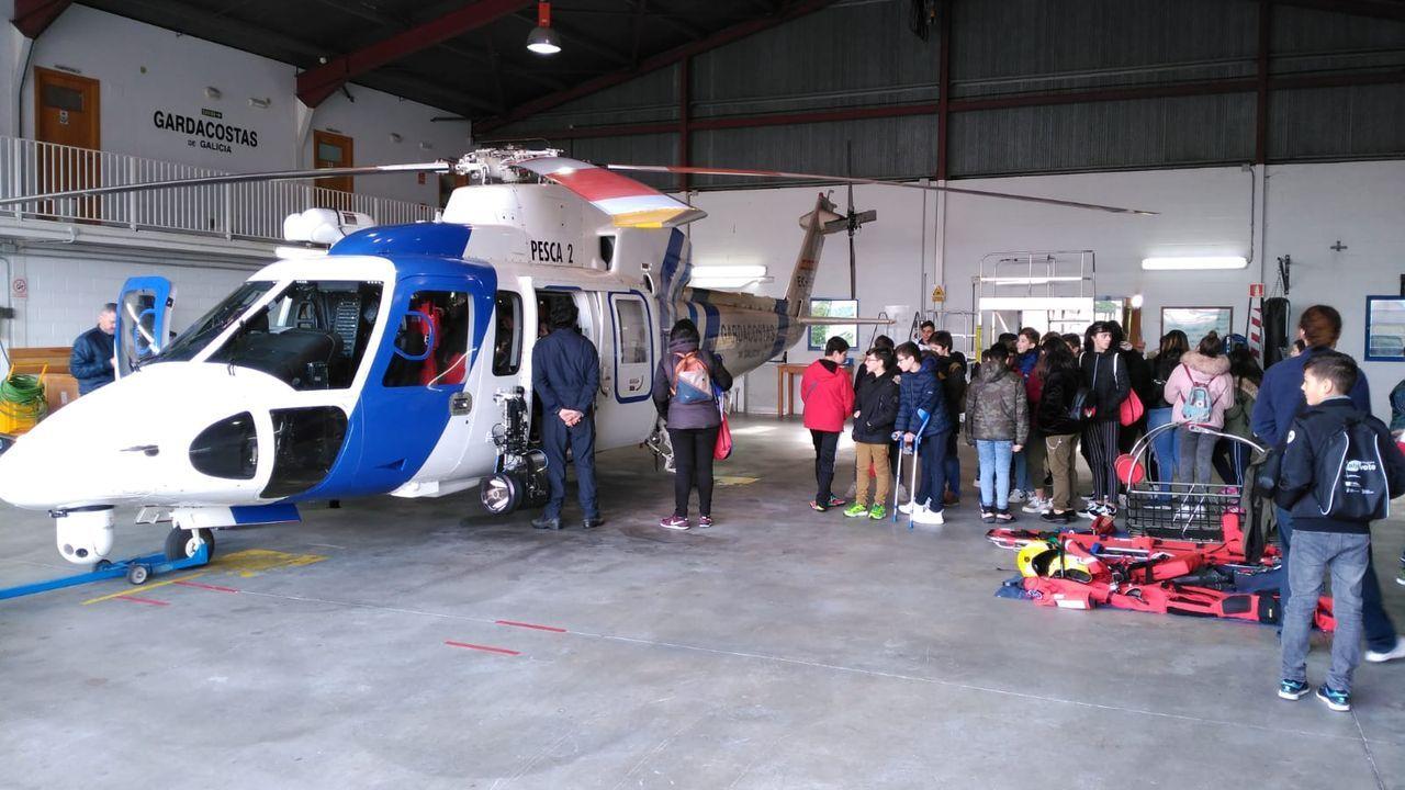 El vídeo de la monumental descarga de bocarte en Burela.Imaxe de arquivo dunha visita do programa Mariñeiros por un Día ao helicóptero Pesca 2