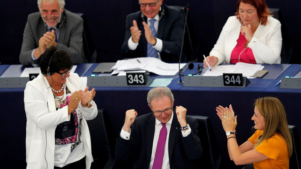Turbulento aniversario del 1-O.Sargentini, que elaboró el informe sobre Orbán, es aplaudida tras la votación
