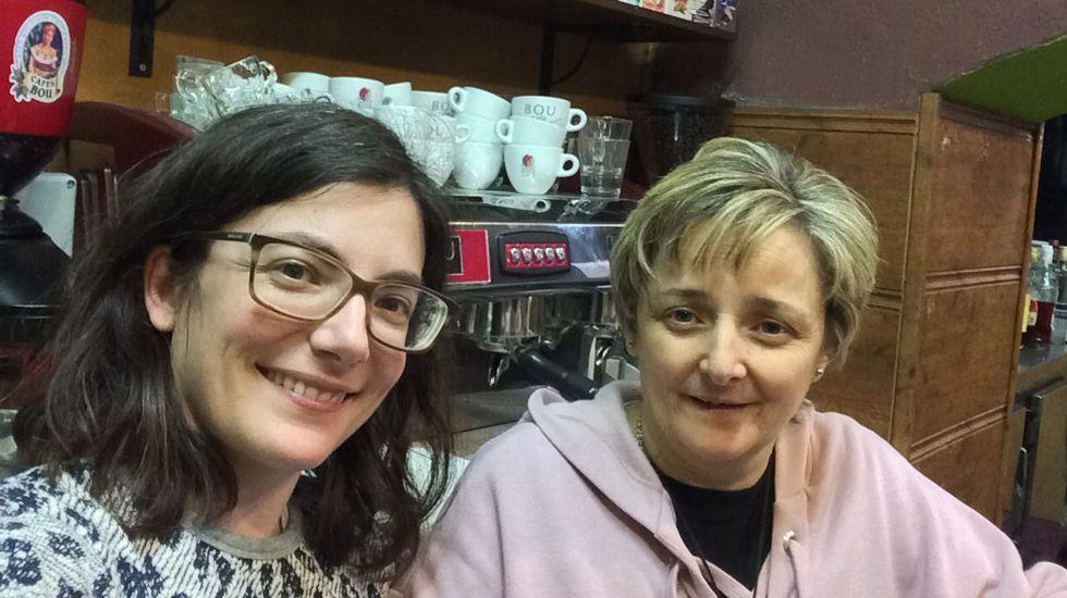 El Manglar.Cristina Simón y Ani Roda, ganadoras de un segundo premio de la Lotería de Navidad