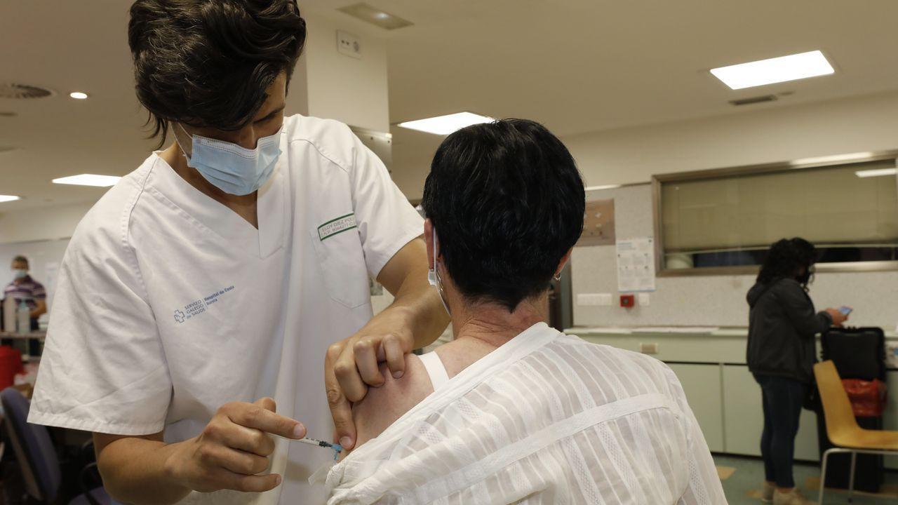 El auto-covid del hospital de Burela realiza de nuevo estos días sin descanso pruebas PCR para detectar positivos por covid en A Mariña