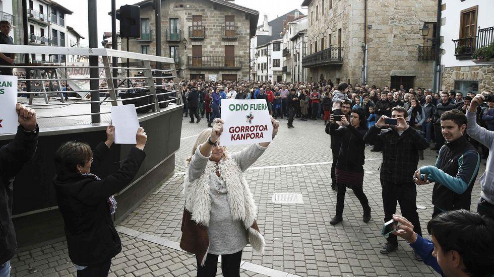 Así se enfrentó Consuelo Ordóñez a los manifestantes.El ciclo vital de este curioso pez sigue guardando secretos para los científicos