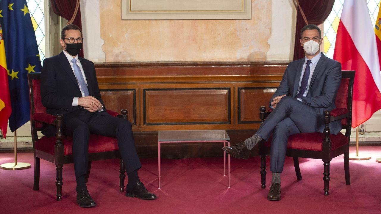 El presidente del Gobierno, Pedro Sánchez, mantuvo este lunes un encuentro bilateral con el primer ministro de la República de Polonia, Mateusz Morawiecki, en el Ayuntamiento de Alcalá de Henares