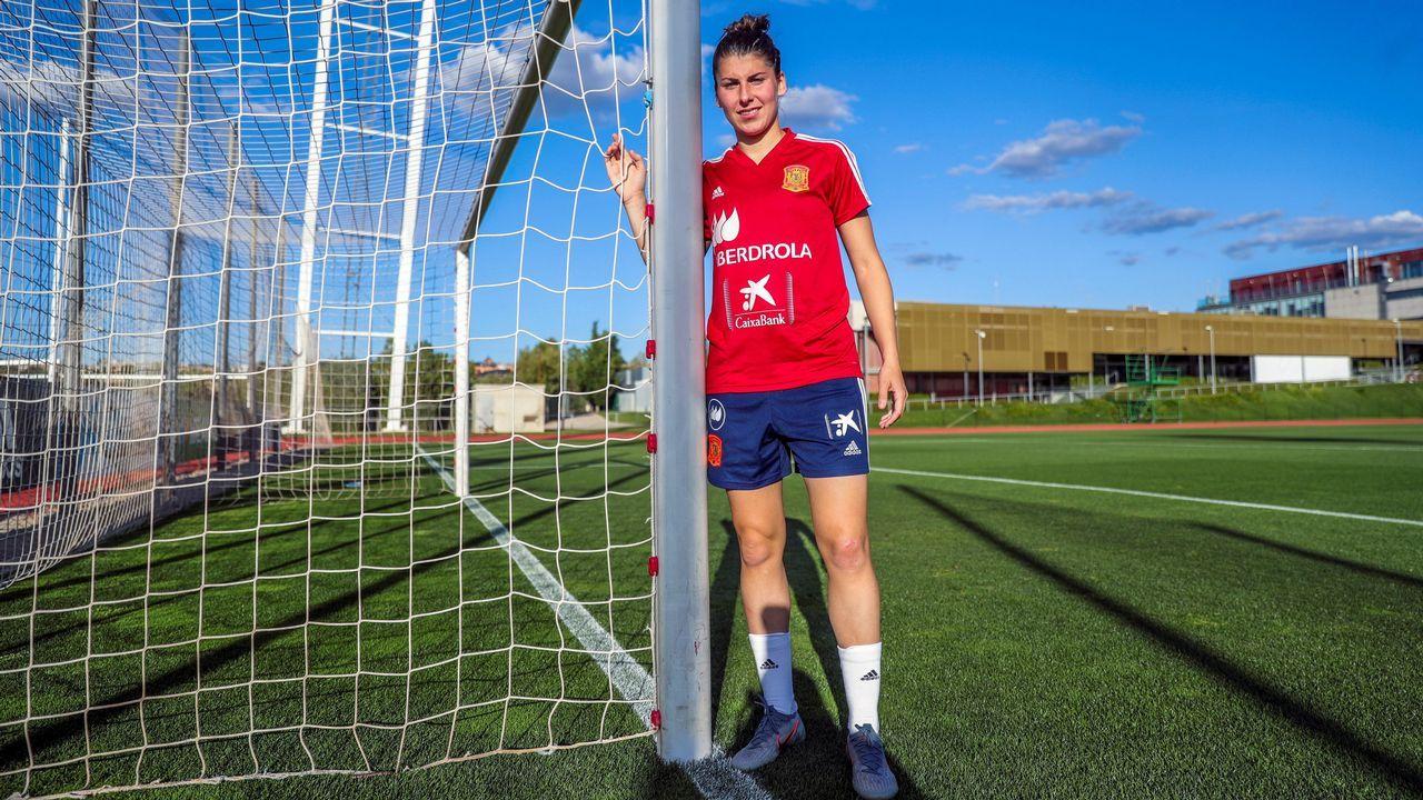 La jugadora de fútbol asturiana Lucía García
