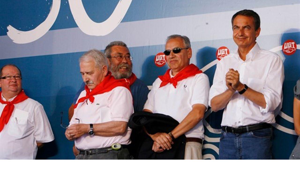 El vídeo de Daniel Ripa sobre la presencia en Asturias de los líderes de la derecha en campaña.Alfonso Guerra, Jose Luis Rodriguez Zapatero, Jose Ángel Fernández Villa Y Candido Méndez
