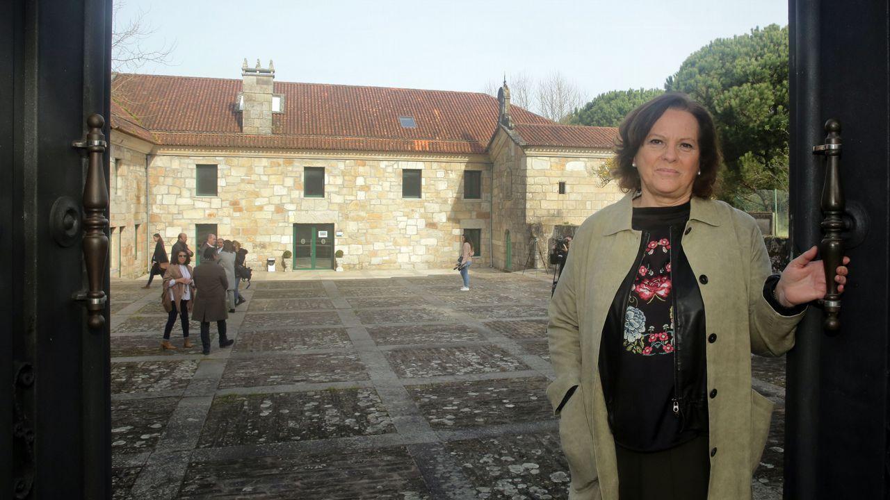 Llegada de Tania Varela para ser juzgada en la Audiencia de Pontevedra.Martí en el pazo de Vista Real, embargado a los charlines