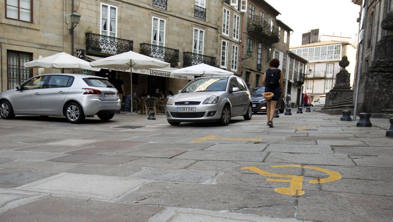 Imagen de la caravana electoral de Galicia en Común con los candidatos provinciales, y la ministra de Trabajo
