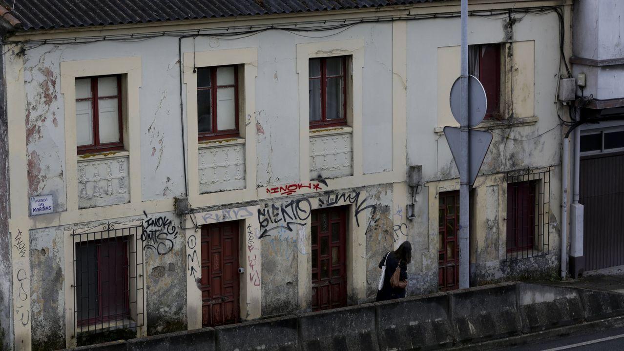 Las tres viviendas que han sido asaltadas por una familia de okupas en avenida das Mariñas