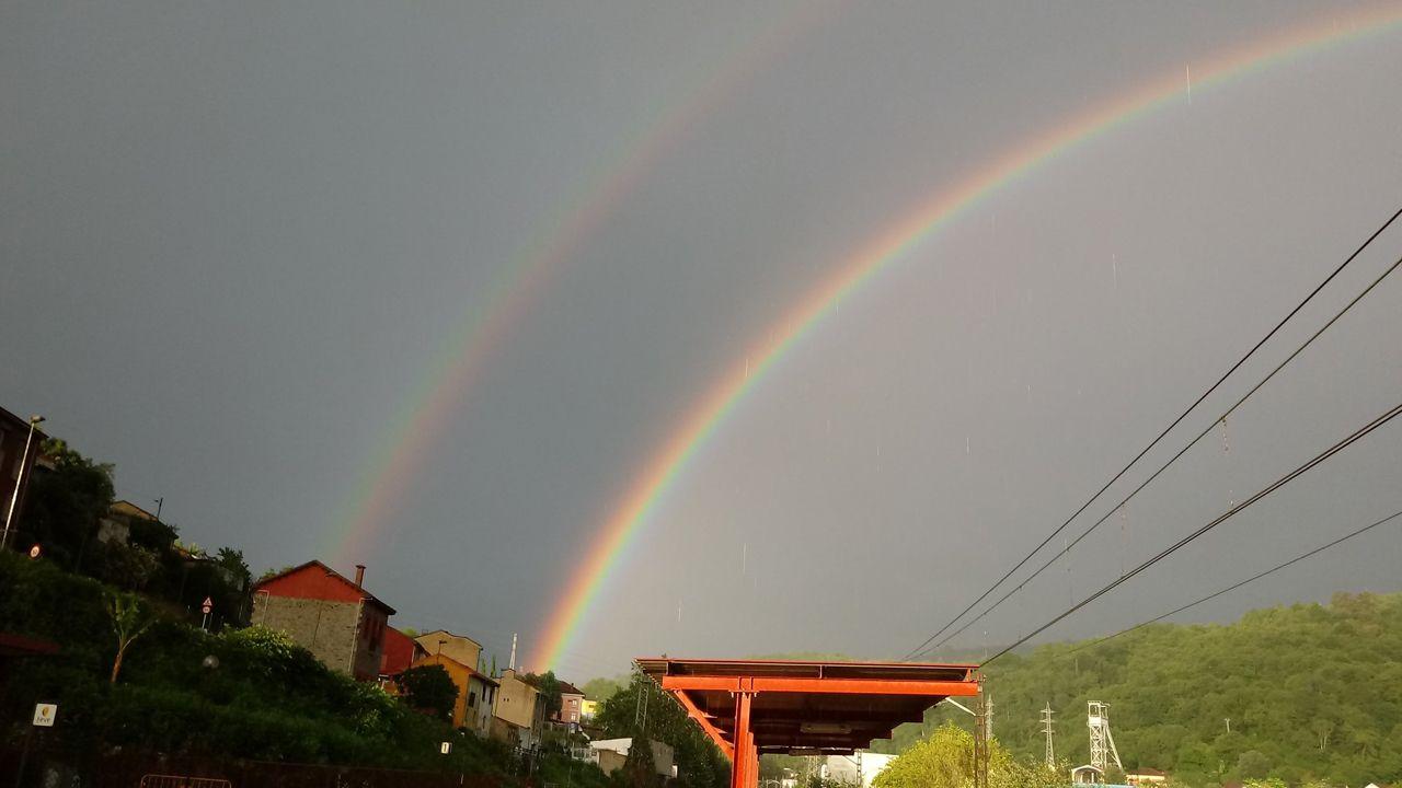 Los arcoiris le hacen el pasillo a Miguel a su paso por Asturias