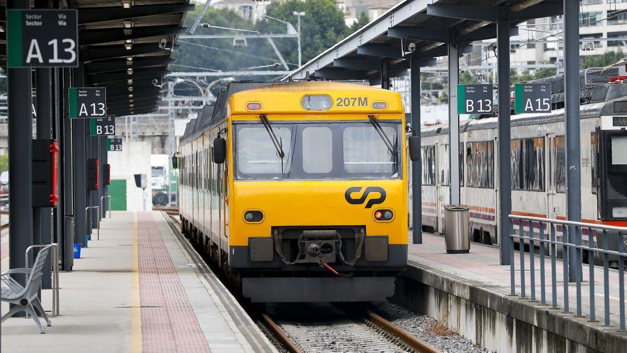 Un tren procedente de Oporto llegando a Vigo el pasado mes de agosto