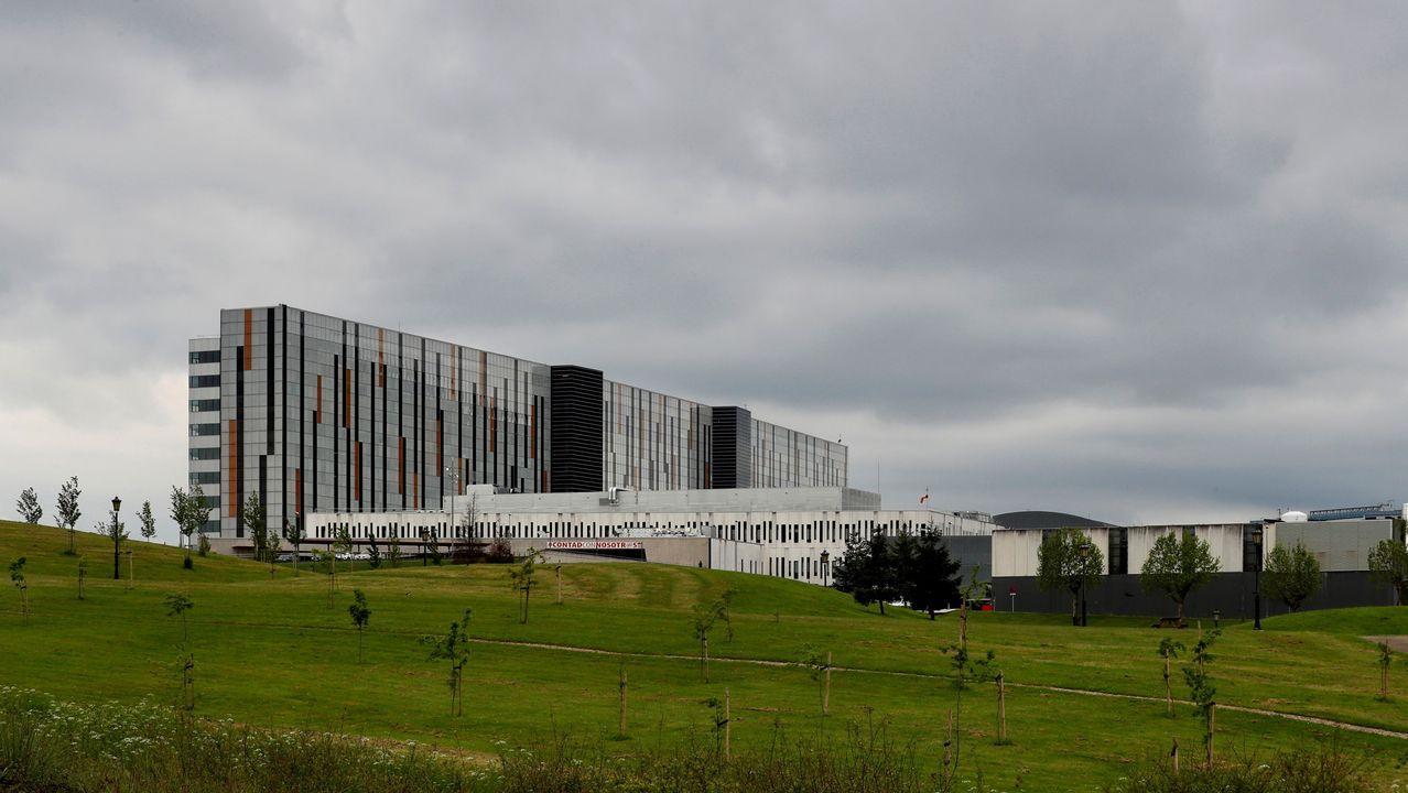 Asturias cumple el deber moral de recordar a las víctimas y honrar su memoria.Vista del Hospital Universitario Central de Asturias (HUCA)