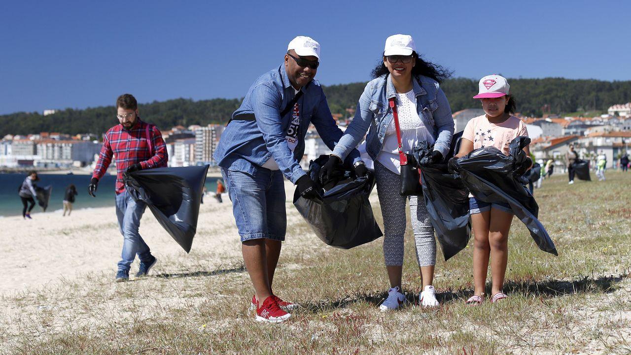 Campaña de recogida de plásticos en la naturaleza dentro del proyecto ciudadano Libera