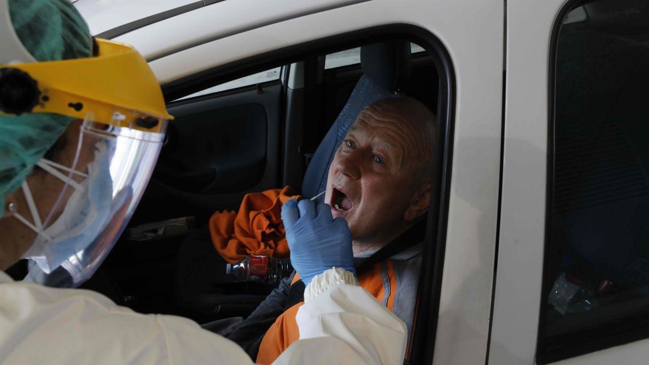 Una de las pruebas del cribado en Burela, realizado en el Hospital da Mariña