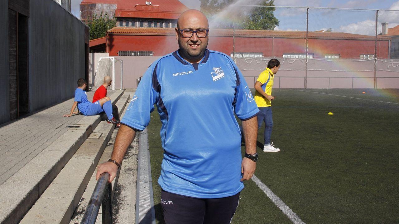 El Club de Remo Muros despide a Pedro León