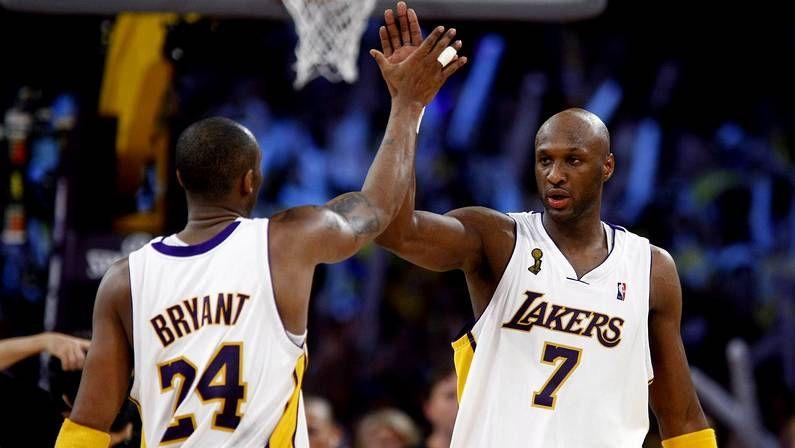 Odom, con Kobe Bryant en el 2009