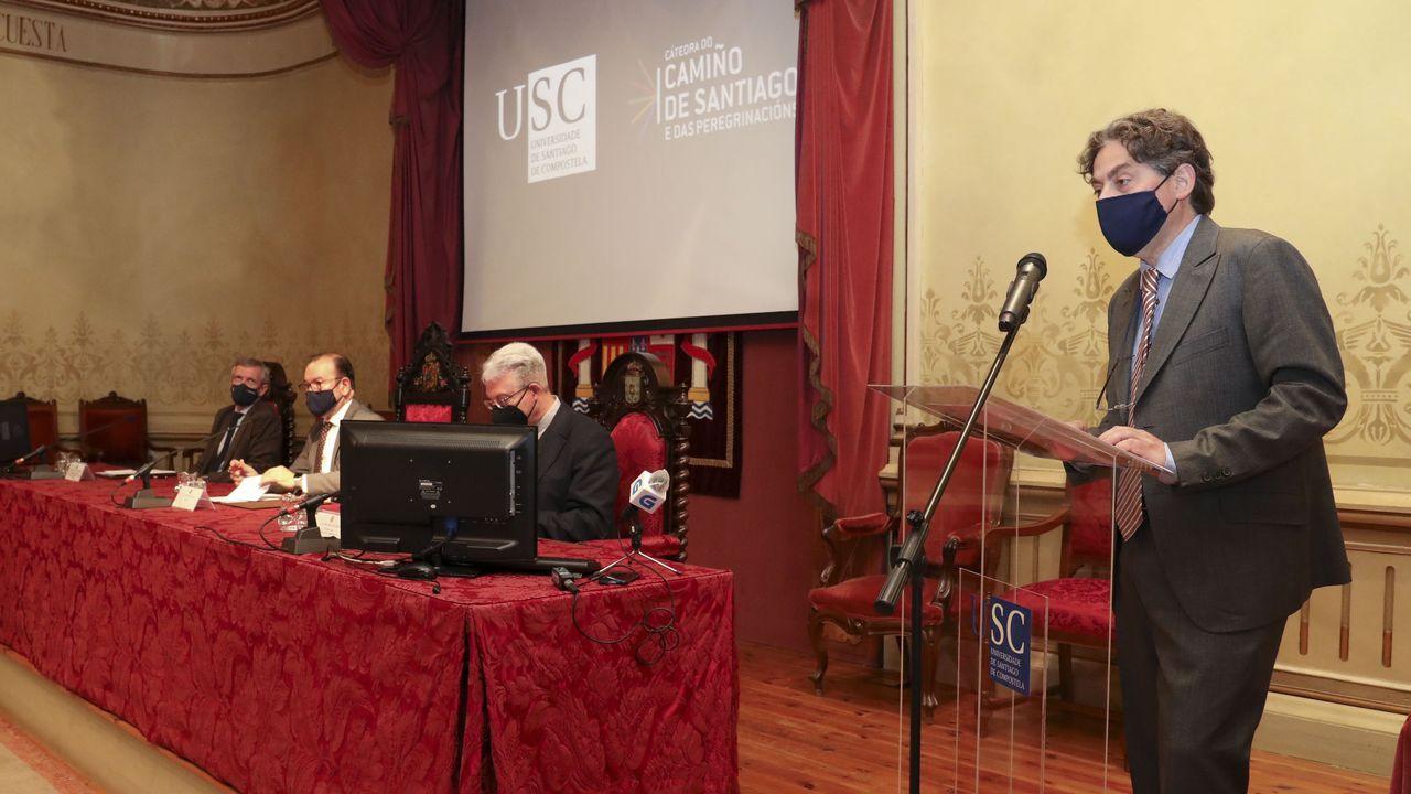 Así será el salón de actos de Medicina de Santiago.Fernando Muñoz, Maria Permuy, Antonio González Cantalapiedra y Mónica López, fundadores de iBoneLab