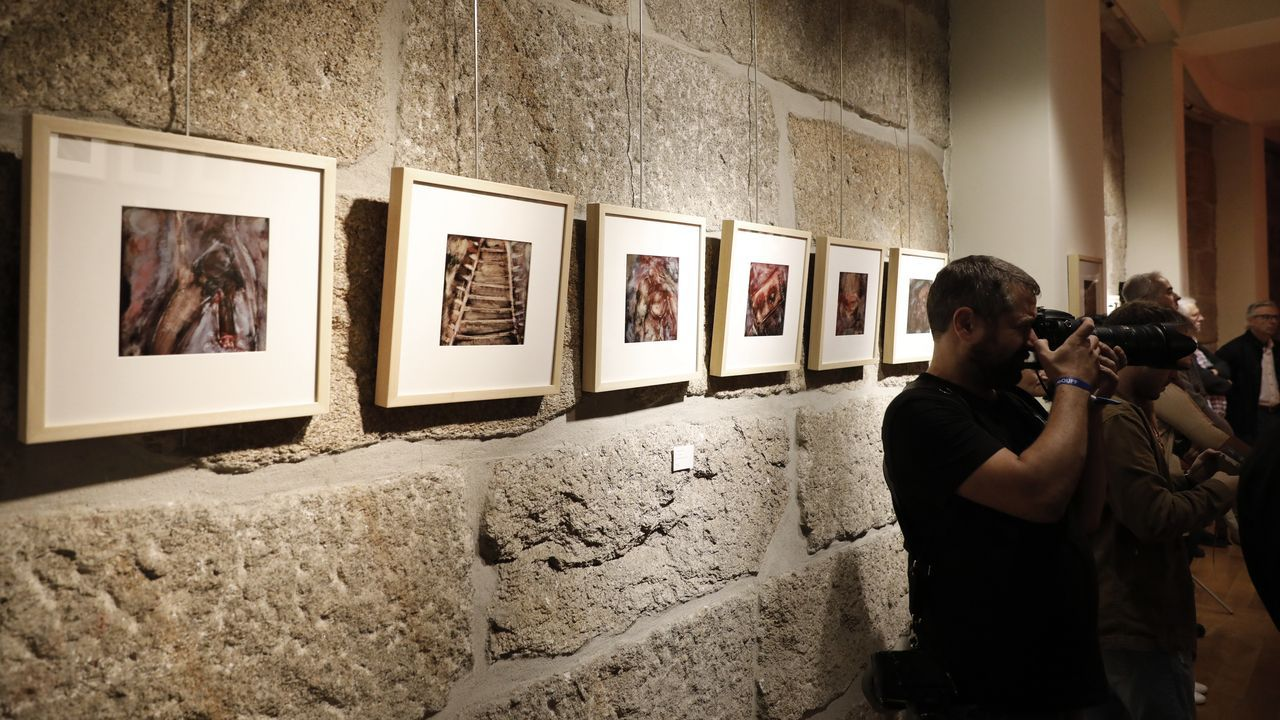 Presentación de «Memoria erótica», este lunes en Ourense. En primer plano, Laura Gárdos Velo, nieta del cineasta ourensano