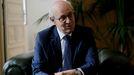 Fernando Suanzes, este jueves durante la entrevista en su despacho de la Fiscalía Superior de Galicia
