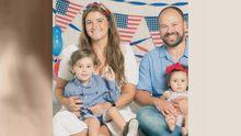 Jennifer Eileen Fernández, de Nueva Jersey, junto a su familia