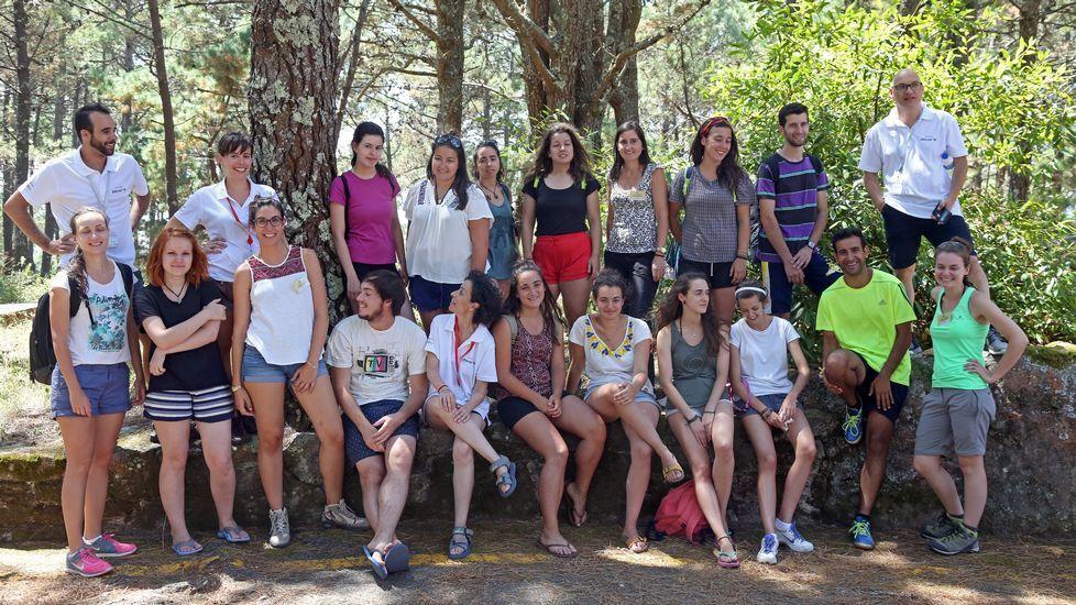 Manuel Ruiz se reunió con representantes de las comunidades de montes de Olveira, Artes y Carreira y de la Asociación de Afectados polo Parque Natural